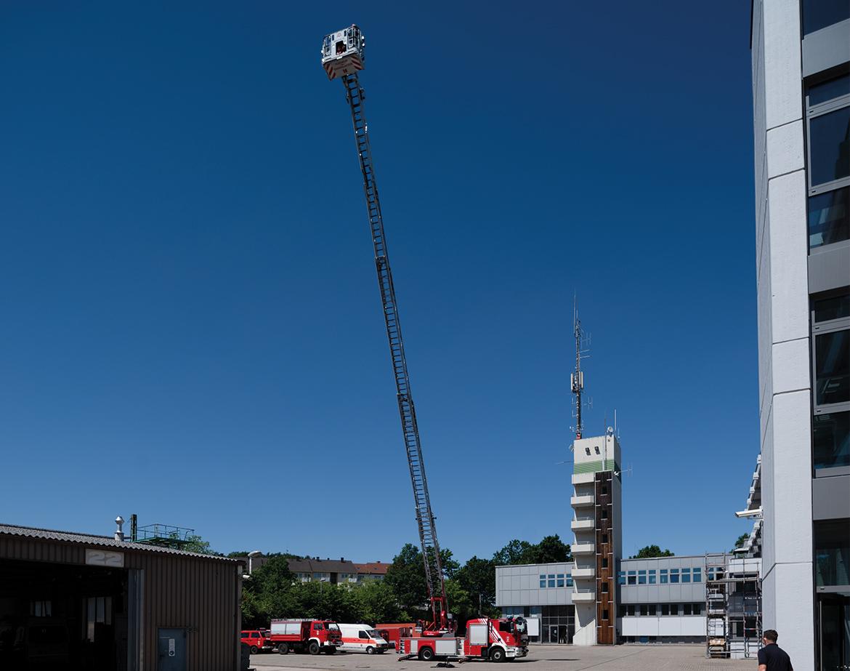 Feuerwehr Kaiserslautern Drehleiter 30 Meter Höhe